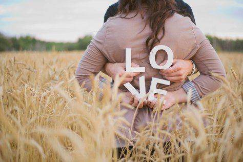 Ehjaephotography_Saskatoon_engagement_N&J_Love_Summer_12