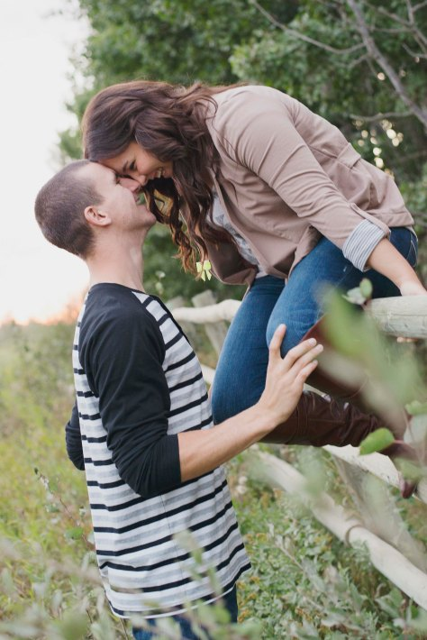 Ehjaephotography_Saskatoon_engagement_N&J_Love_Summer_13