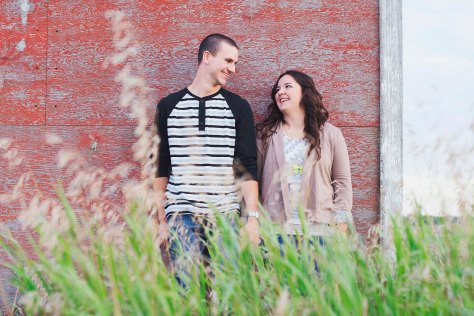 Ehjaephotography_Saskatoon_engagement_N&J_Love_Summer_7